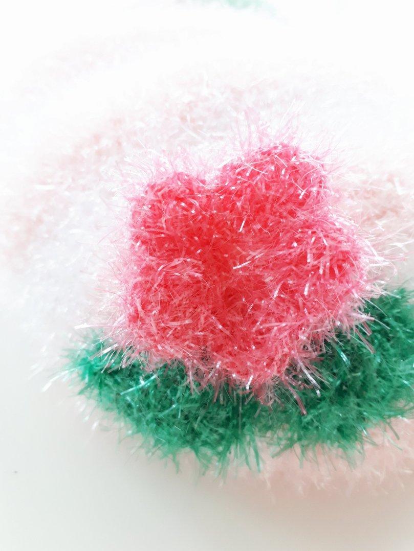 Blume aus Spülschwammwolle